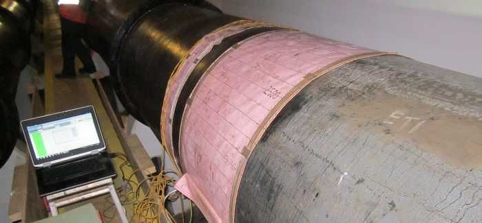 A circular saddle was wrapped around the pipe so that its thickness could be monitored using the BEM sensor equipment