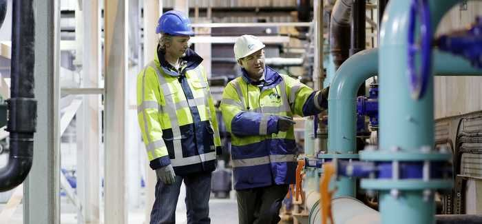 Simon Kuitert, Process Engineer at Paques, and John Jenkins, Site Manager for NMCNomenca, on site