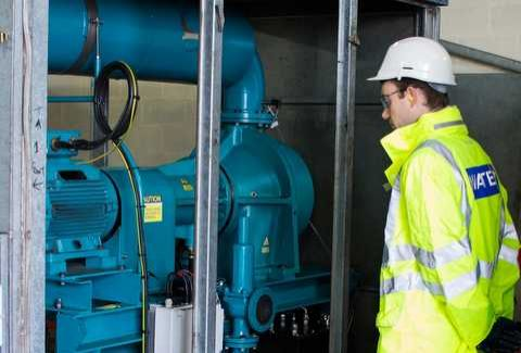 An inspection of the Lontra Blade Compressor at work