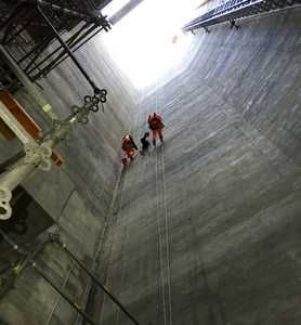Skilling Up: Rope access for HVAC installation
