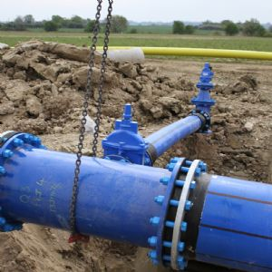 Protecting water supplies in contaminated land