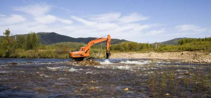 The benefits of dredging need to be maintained, said the committee