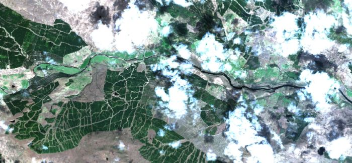 A zoomed-in loch extract from true colour image of Scotland collected from Sentinel 2 in May 2017.