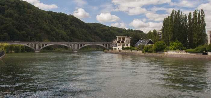The work involves upgrading dams on the Meuse and Aisne rivers