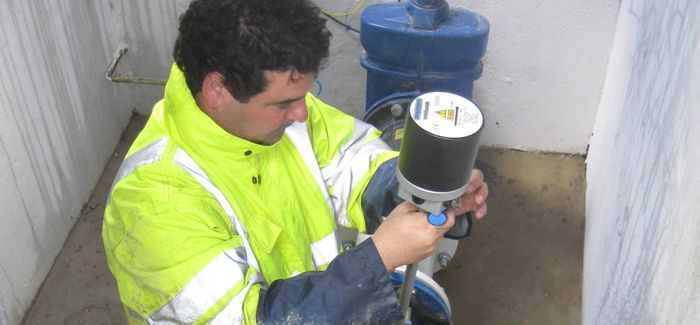 Installation of an Intellisonde on a clean water network