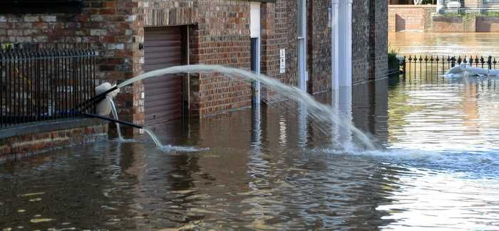 The EA is urging businesses to sign up and receive flood warnings as well as make flood plans