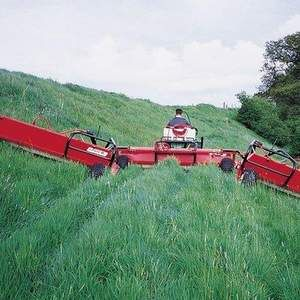 Welsh Water's weed wiper trial to reduce MCPA in rivers