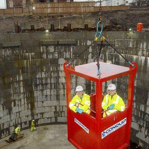 Cabinet secretary checks out Scottish Water's Elmvale Row scheme