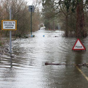EA says 660 flood defences need repair after December storms