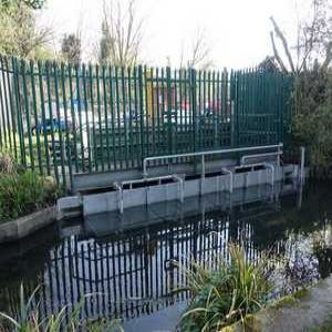 Self-cleaning screen helps protect eels on River Wandle