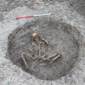 Iron age skeletons uncovered in chalk stream project