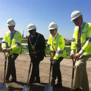 Construction starts on new flood defence for Ipswich